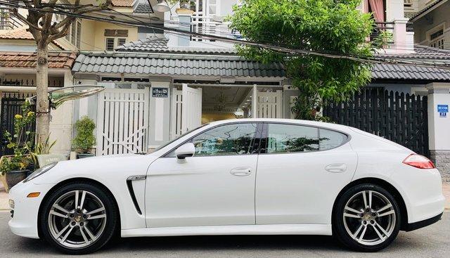 Cần bán Porsche Panamera model 2011, màu trắng, nội thất kem