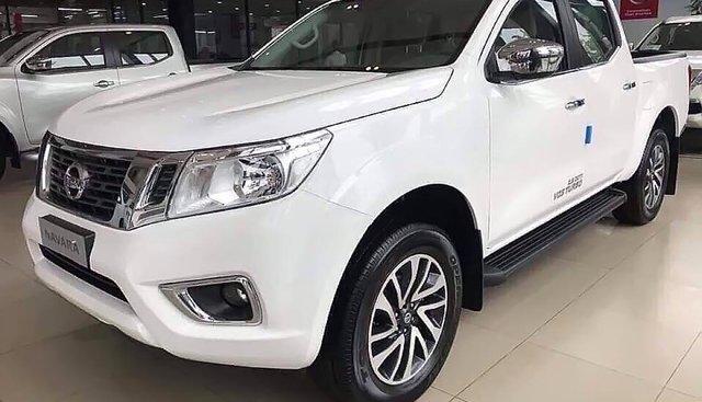 Bán Nissan Navara EL 2.5 AT 2WD sản xuất 2019, màu trắng, nhập khẩu, 679 triệu