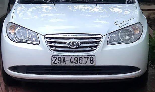 Bán Hyundai Elantra đời 2011, màu trắng, chính chủ, 230 triệu