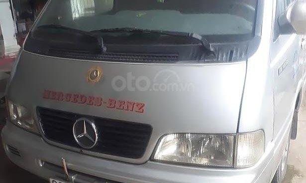 Cần bán Mercedes MB đời 2002, màu bạc, nhập khẩu