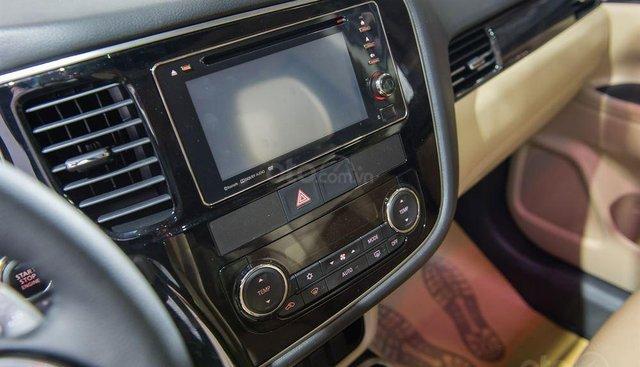 Cần bán Mitsubishi Outlander đăng ký lần đầu 2019, màu đỏ, xe nhập, giá tốt 807 triệu đồng