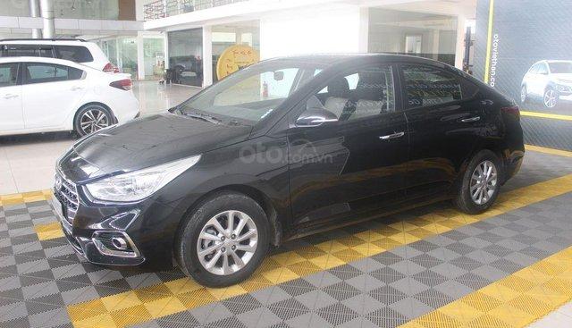 Cần bán Hyundai Accent 1.4AT sản xuất 2019, màu đen