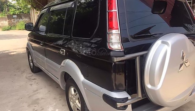 Cần bán gấp Mitsubishi Jolie SS sản xuất năm 2004, màu đen, xe gia đình