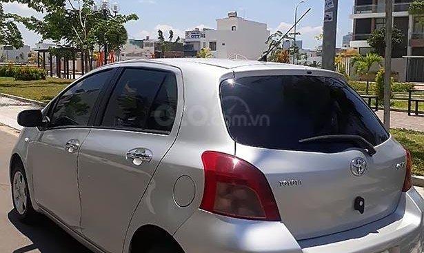 Gia đình bán Toyota Yaris năm sản xuất 2007, màu bạc, xe nhập