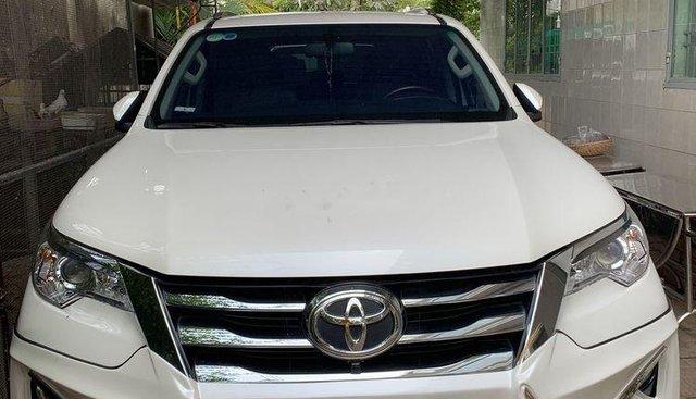 Bán Toyota Fortuner 2018, màu trắng, nhập khẩu