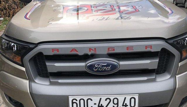 Gia đình bán xe Ford Ranger năm 2017, màu vàng, nhập khẩu