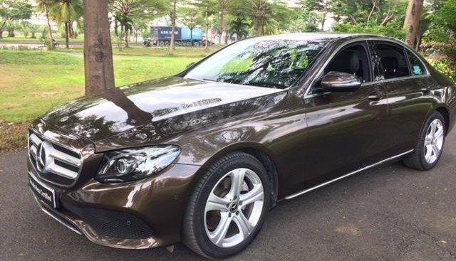Bán xe Mercedes-Benz E250 Đăng ký 2018, màu nâu/đen, xe cũ chính hãng