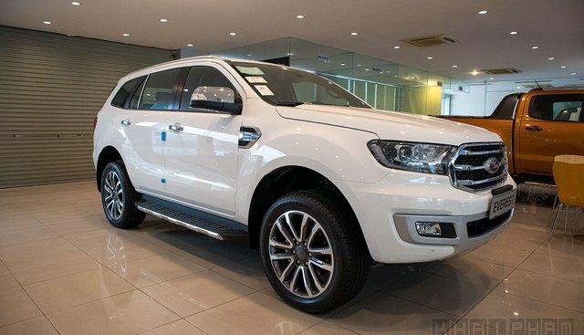 Ford Everest 2020 nâng cấp đã cập bến đại lý, giá không đổi đấu Fortuner, Santa Fe
