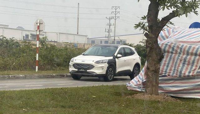 Ford Escape 2020 chạy thử tại Việt Nam, cận kề ngày mở bán