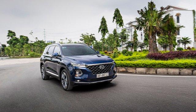 Lựa chọn xe SUV trong tầm giá 1 tỷ đồng: Vẫn có thể mua Hyundai Santa Fe