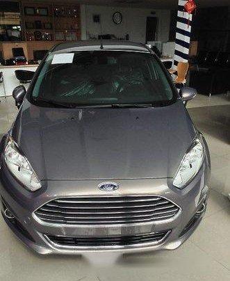 Bán gấp chiếc Ford Fiesta năm 2017, xe chính chủ giá mềm 0