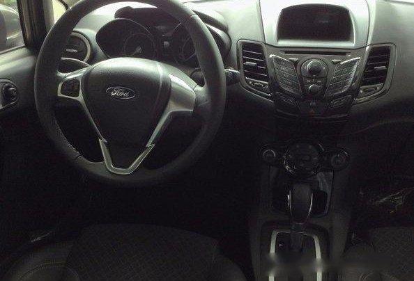 Bán gấp chiếc Ford Fiesta năm 2017, xe chính chủ giá mềm 5
