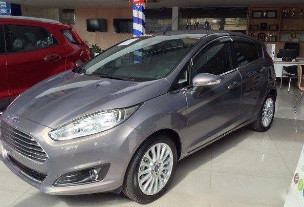 Bán gấp chiếc Ford Fiesta năm 2017, xe chính chủ giá mềm 3