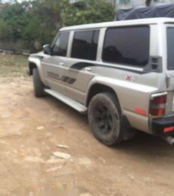 Cần bán Nissan Patrol đời 1992 giá cạnh tranh3