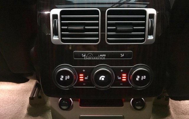 Bán xe Cũ LandRover Range Rover HSE màu vàng cát, sx 2015, xe nhập đi cực ít20