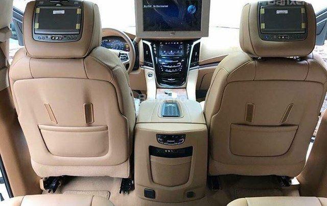Bán Cadillac Escalade Platium sản xuất năm 2016 full option chạy 2 vạn 7km7