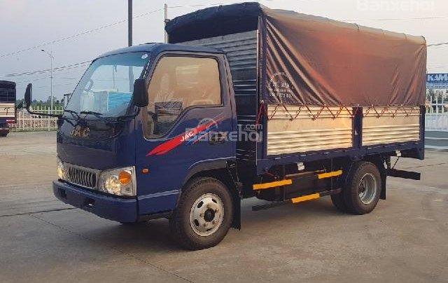 Bán xe tải 2,4 tấn, giá cực sốc2