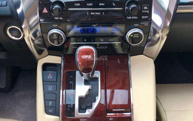 Cần bán xe Toyota Alphard Limited, màu đen, đã qua sử dụng như mới giá tốt LH: 0982.84.283817