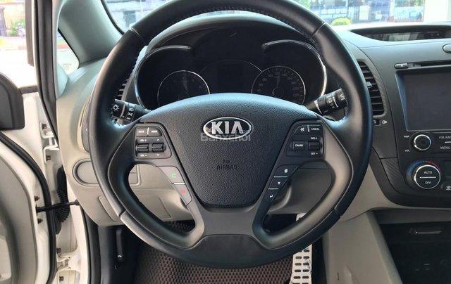 Cần bán Kia K3 1.6 đời 2016, màu trắng rất mới7