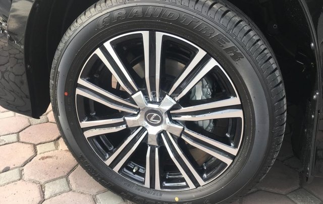 Bán ô tô Lexus LX 570 sản xuất năm 2018, màu đen, nhập khẩu Mỹ nguyên chiếc5