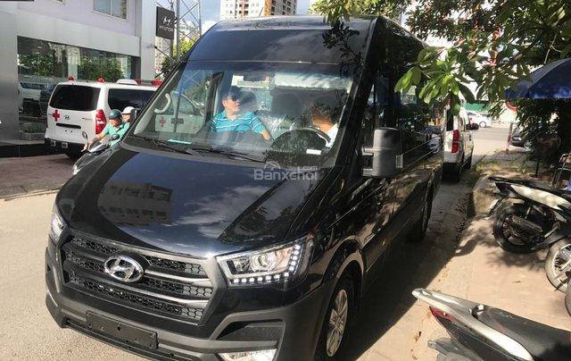 Bán Hyundai Solati H350 2.5 MT giao xe ngay, giá 990 triệu + KM 15 triệu - LH: 09199299232