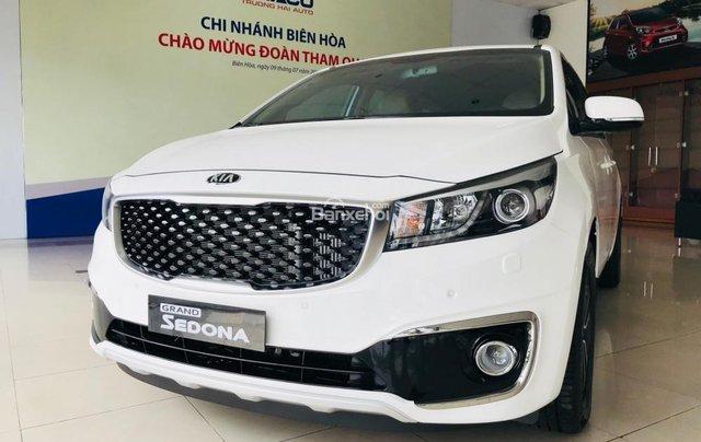 Bán xe Kia Sedona 2019 máy dầu bản tiêu chuẩn - Giá tốt nhất thị trường Đồng Nai - Đủ màu - Hotline 0933.755.4851