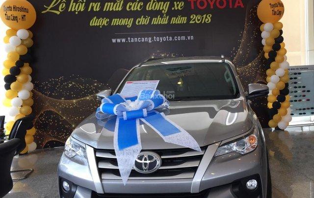 Toyota Tân Cảng bán Fortuner máy dầu số sàn 2020- Mừng Tết Canh Tý bán giá hợp lý-xe giao trước Tết-LH 09019233991