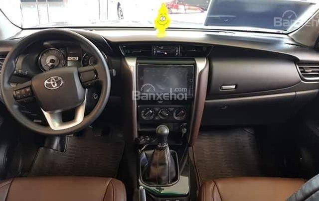 Toyota Tân Cảng bán Fortuner máy dầu số sàn 2020- Mừng Tết Canh Tý bán giá hợp lý-xe giao trước Tết-LH 09019233993