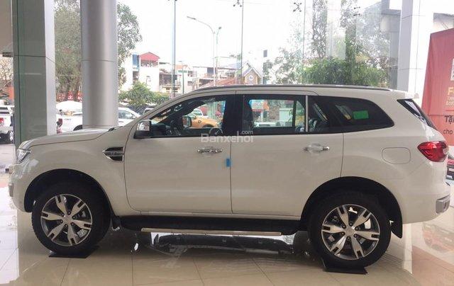 Hãng xe Ford tại Bắc Kạn báo giá Everest 2018 màu trắng, giá tốt, hỗ trợ trả góp. LH: 09419217421