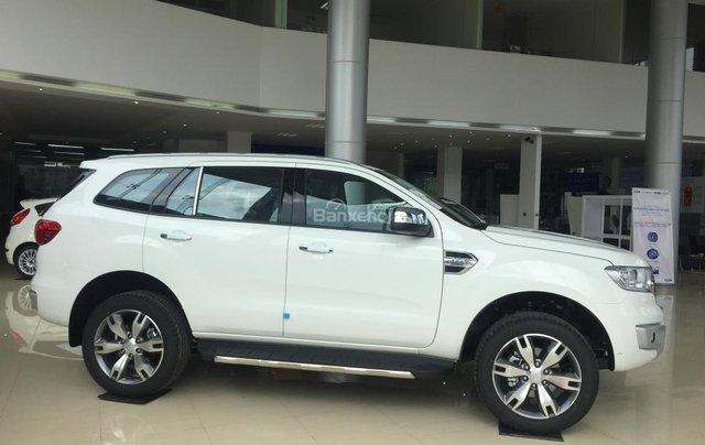 Hãng xe Ford tại Bắc Kạn báo giá Everest 2018 màu trắng, giá tốt, hỗ trợ trả góp. LH: 09419217422