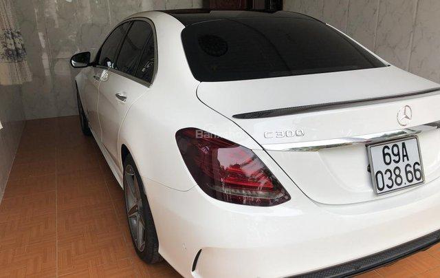 Bán xe Mercedes C300 AMG sản xuất 2017, màu trắng  1