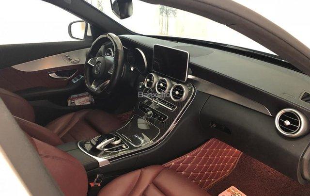 Bán xe Mercedes C300 AMG sản xuất 2017, màu trắng  4