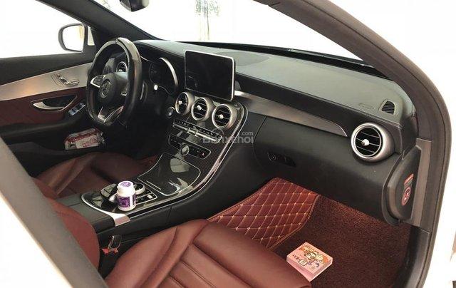 Bán xe Mercedes C300 AMG sản xuất 2017, màu trắng  5