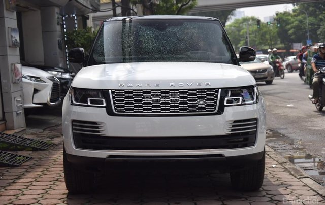 Bán LandRover Range Rover Autobio LWB đời 2018, màu trắng, nhập khẩu nguyên chiếc Mỹ giá tốt0