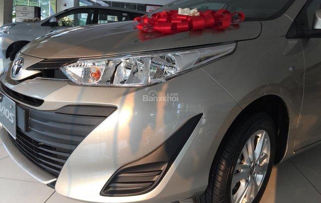 Toyota Vios E MT phiên bản 2019 khuyến mại cực lớn trong tháng, trả góp lên đến 80% - Lh: 0906.34.11.11 Toyota Hải Dương1