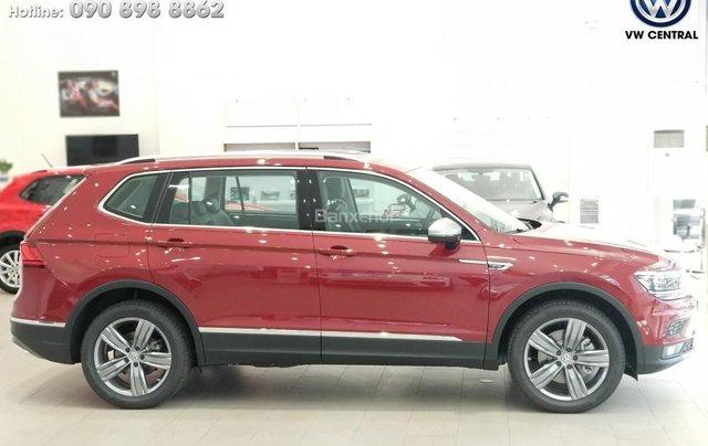 SUV 7 chỗ Tiguan Allspace màu đỏ ruby giao ngay - Xem và lái thử xe tại nhà, hotline: 090.898.8862 (Mr. Anh Quân)0