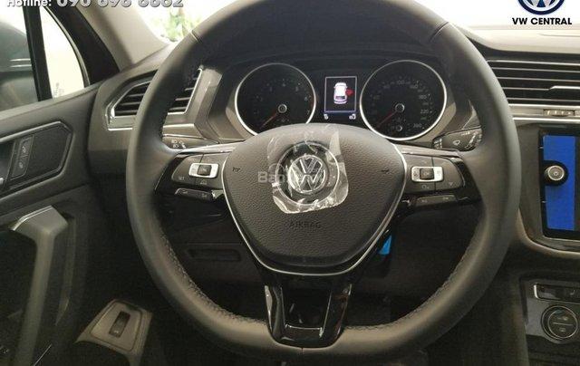 SUV 7 chỗ Tiguan Allspace màu đỏ ruby giao ngay - Xem và lái thử xe tại nhà, hotline: 090.898.8862 (Mr. Anh Quân)4