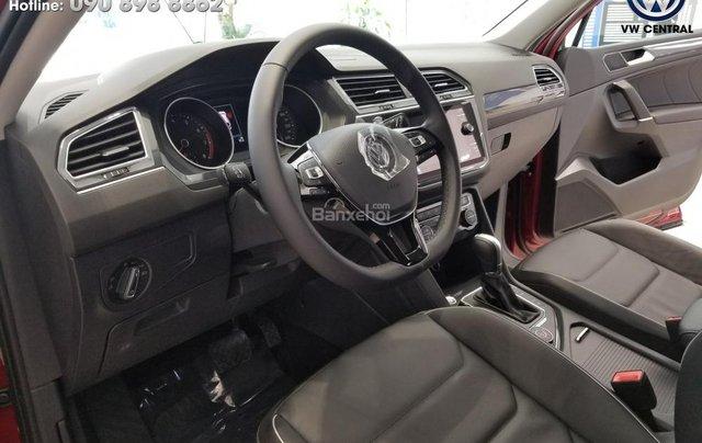 SUV 7 chỗ Tiguan Allspace màu đỏ ruby giao ngay - Xem và lái thử xe tại nhà, hotline: 090.898.8862 (Mr. Anh Quân)5