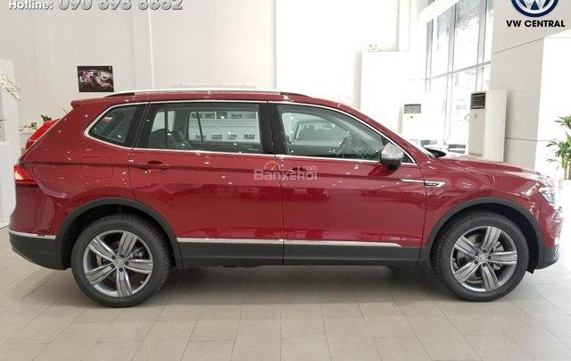 SUV 7 chỗ Tiguan Allspace màu đỏ ruby giao ngay - Xem và lái thử xe tại nhà, hotline: 090.898.8862 (Mr. Anh Quân)20