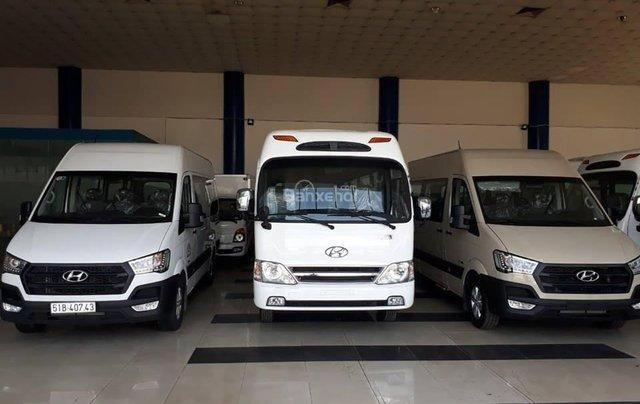 Hyundai 16 chỗ Solati giá rẻ, khuyến mãi 100% thuế trước bạ, hỗ trợ trả góp, giao xe ngay1