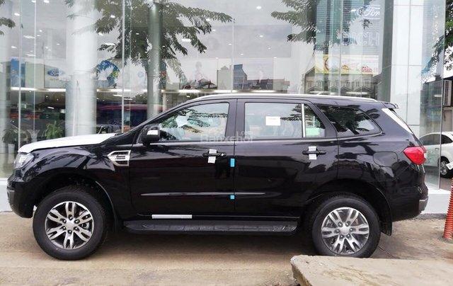Bán Ford Everest Trend AT 2018, màu đen, xe nhập, KM khủng tháng 11, hỗ trợ thủ tục từ A-Z0