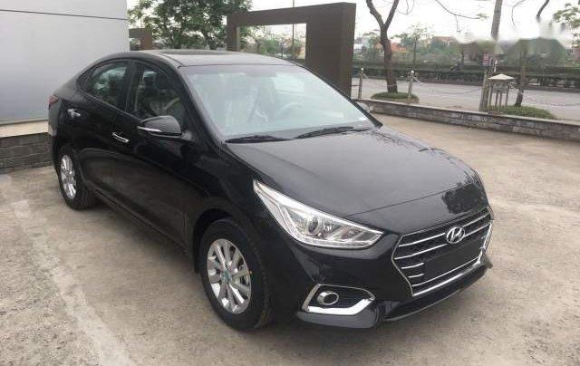 Bán Hyundai Accent AT 2018, màu đen0