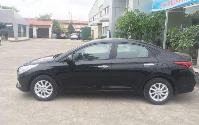 Bán Hyundai Accent AT 2018, màu đen2