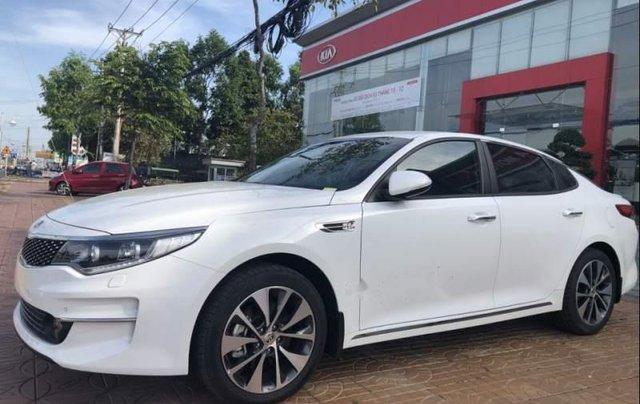 Bán xe Kia Optima năm sản xuất 2018, màu trắng0