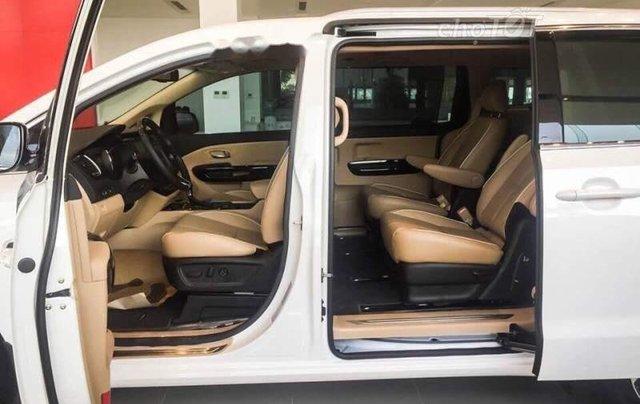 Cần bán xe Kia Sedona 2.2L DATH năm sản xuất 2018, màu trắng3