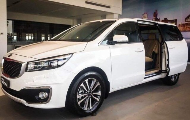 Cần bán xe Kia Sedona 2.2L DATH năm sản xuất 2018, màu trắng5