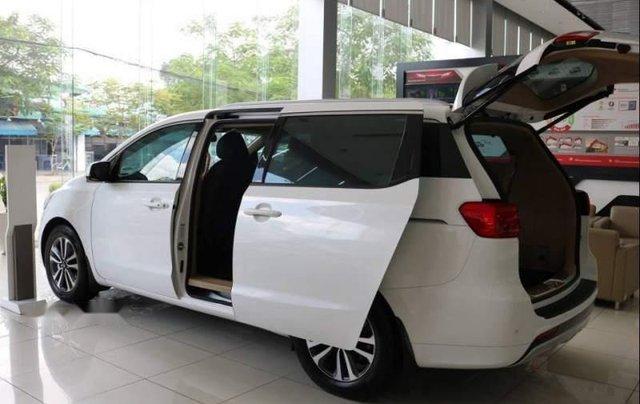 Cần bán xe Kia Sedona 2.2L DATH năm sản xuất 2018, màu trắng2