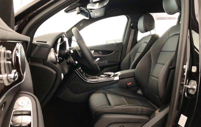 Cần bán gấp Mercedes GLC200, màu đen 2018, chạy lướt giá tốt2