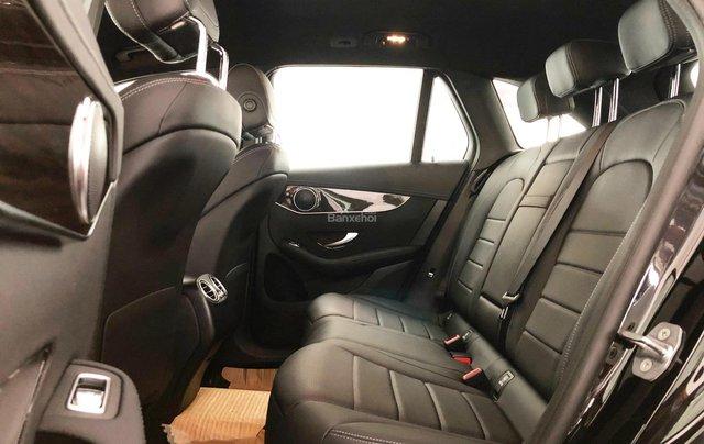 Cần bán gấp Mercedes GLC200, màu đen 2018, chạy lướt giá tốt3