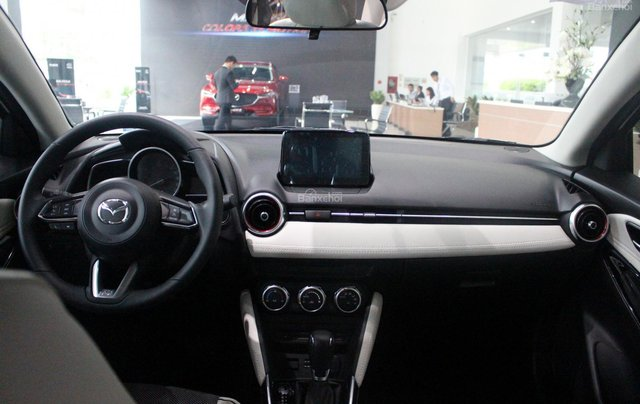 Bán Mazda 2 1.5 AT 2019, xe nhập nguyên chiếc, LH 0941 322 979 [Mazda Bình Triệu]2